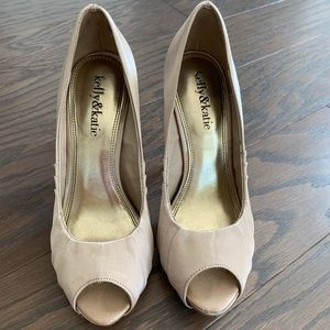 Kelly & Katie Champagne peep toe pump